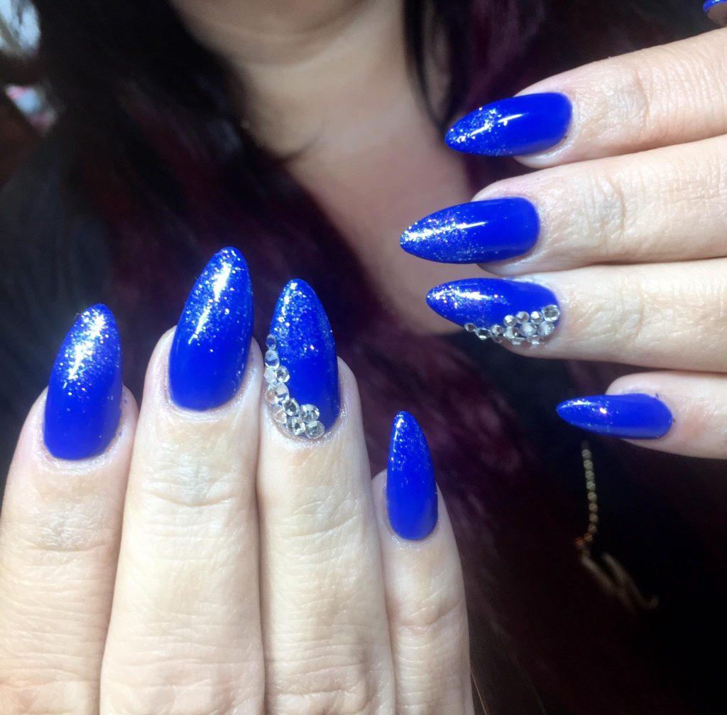 blå akrylnegle