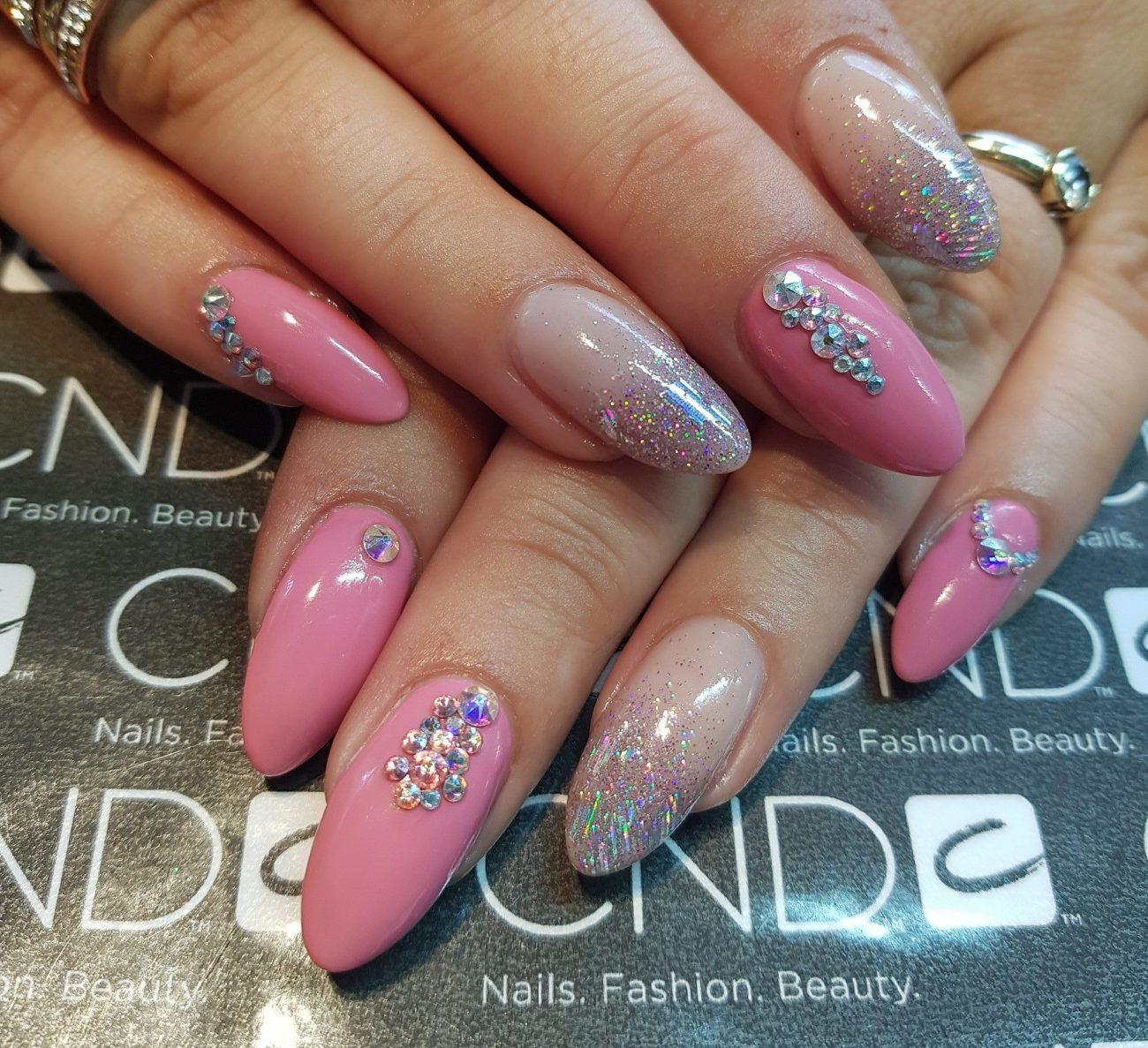 lyserøde akrylnegle